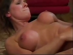 Runner enjoys the healing hands of a MILF in stockings video