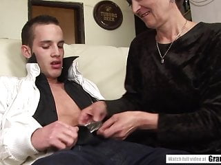 Unshaved granny pussy video