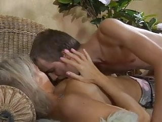 mom Ninette fuck young boy video