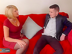 Sexy mature landlady likes young boys and their big dicks